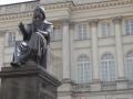 05: Kopernikus-Denkmal vor dem heutigen Hauptsitz der Polnischen Akademie der Wissenschaften